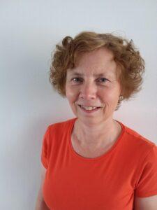 Gastvrouw Leny van Eenige vertelt over de dagelijkse gang van zaken bij Dagelijks Leven, thuis voor mensen met dementie